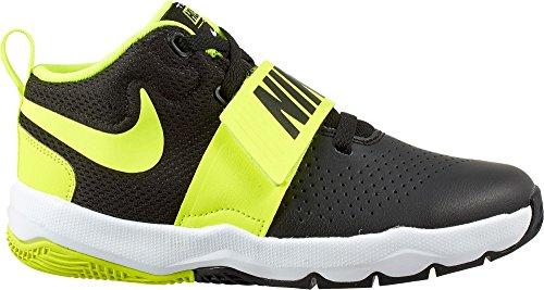 Nike Boy's Team Hustle D 8 Basketball Shoe